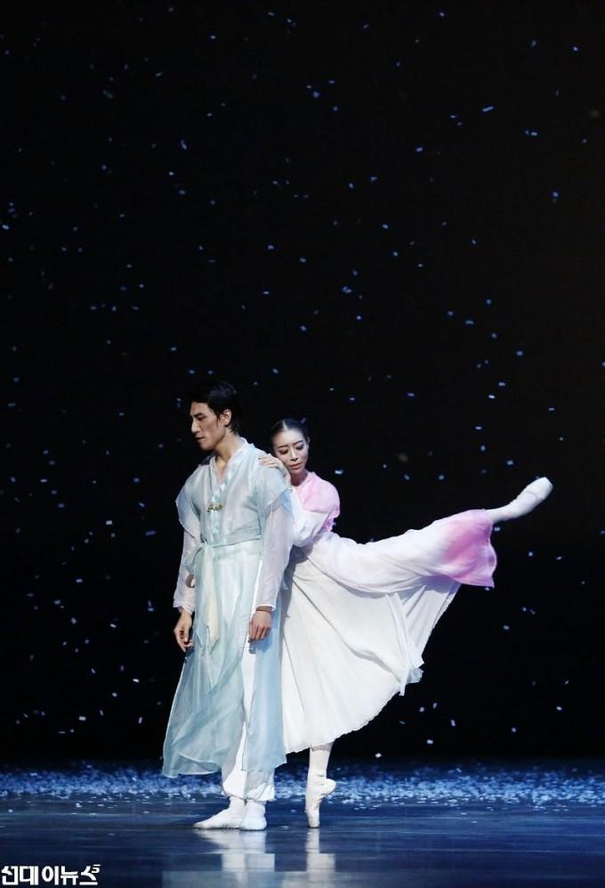 발레 춘향_The Love of Chunhyang (2) ⓒ유니버설발레단_사진 김경진.JPG