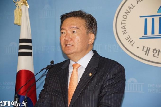 자유한국당--민경욱.jpg