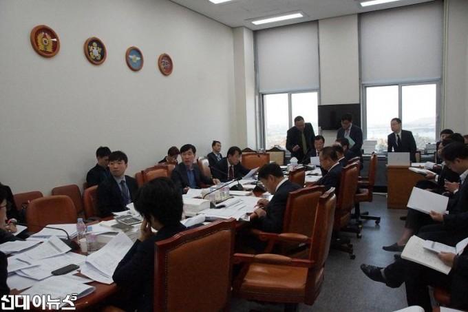 국방위원회.jpg