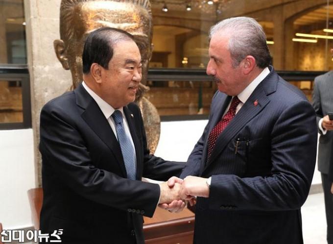 터키-국회의장-면담(1).jpg