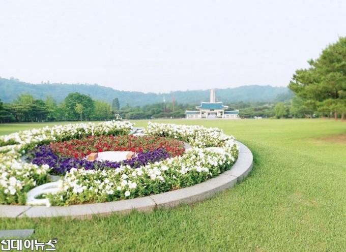 국립-서울현충원-(3)--2020년-6월-6일-필자-촬영.jpg