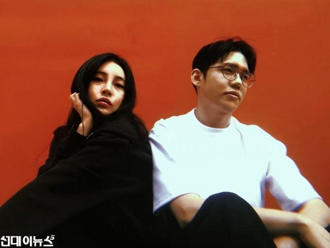 [프로필사진1] 신예 듀오 '로썸', EP 앨범 'Them And' 재킷 이미지 공개 … 오는 10일 발매.jpg