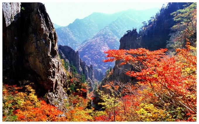 한반도의 10월-금강산의 가을..jpg