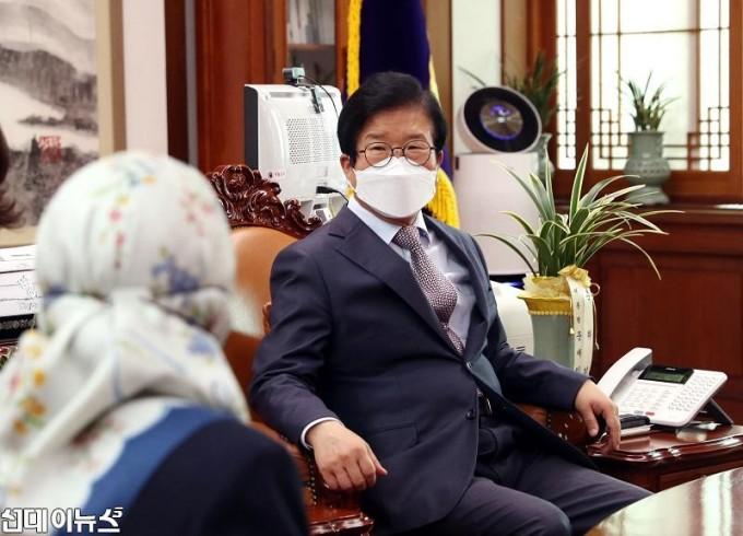 박병석 국회의장, 누리야 주한브루나이대사 예방 받아22222.jpg