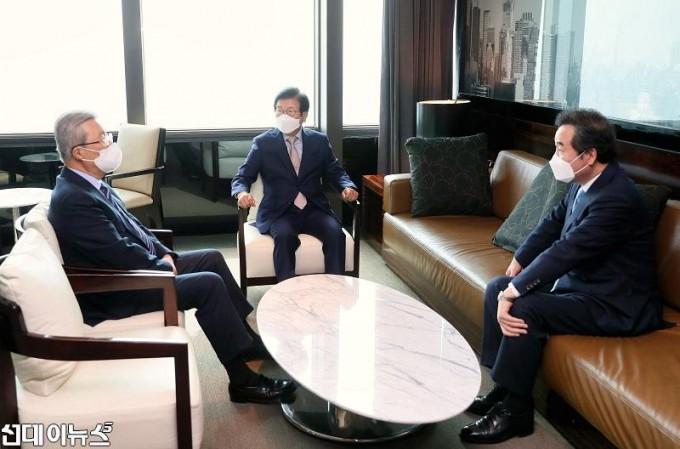 박병석 국회의장, 교섭단체 당대표와 오찬회동2222.jpg