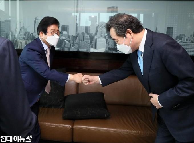 박병석 국회의장, 교섭단체 당대표와 오찬회동333.jpg