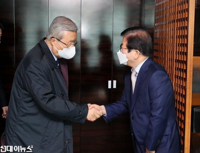 박병석 국회의장, 교섭단체 당대표와 오찬회동4444.jpg