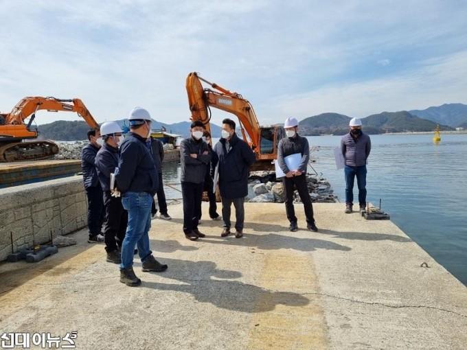 창원시, 마산해양신도시·주도항 어촌뉴딜사업 현장 점검 .jpg