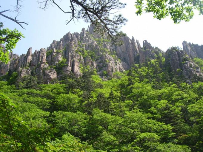 봉래산(蓬萊山),-대한민국-금강산의-여름.jpg