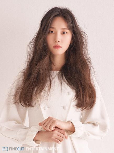 한재이, 홍상수 감독 영화 '풀잎들'로 부산국제영화제 참석