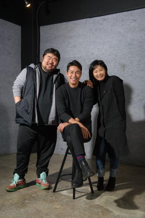 정우성, 연극 '모럴 패밀리' 대관료 지원