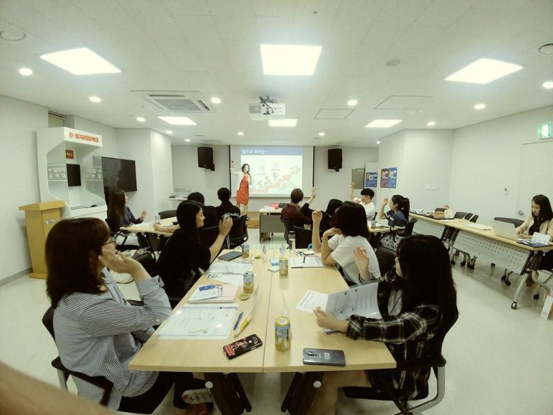 """""""취업 고민 찾아간다"""" 고양시 일자리카페 '청취다방'"""