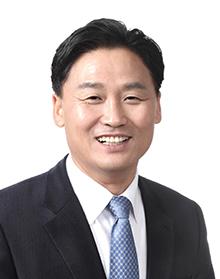"""김영진 의원 """"도로 위 화물차 10대 중 4대는 노후차량"""""""