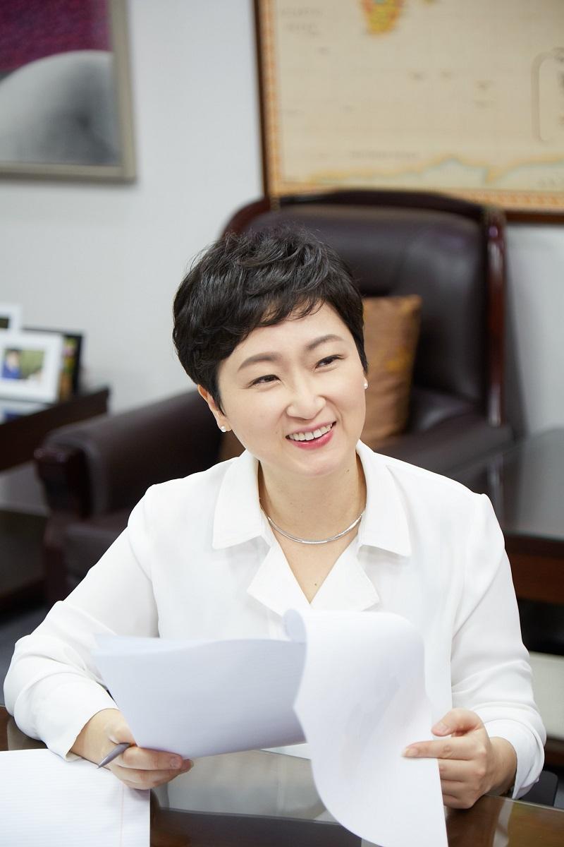 """이언주 의원 """"조폭 깡패 집단 같은 민노총은 당장 자진 해산하라"""""""