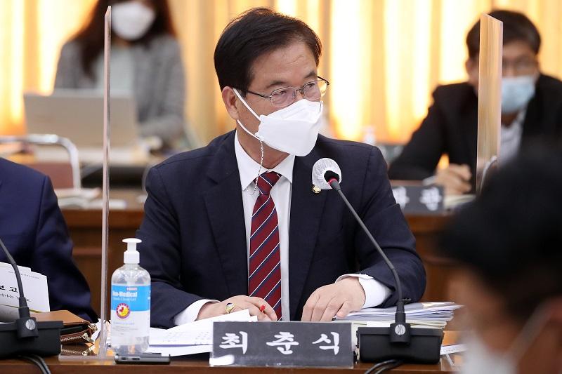 """""""이재명 지사 취임 이후 신설된 기관 4곳의 초대 기관장 모두 '보은·코드 인사'""""최춘식 의원"""