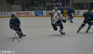 [아이스하키] '안양 한라', '사할린'을 5:0으로 대파하고 선두 탈환!!