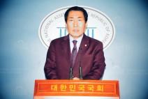 자유한국당 국회의원 안상수 국회 예산결산위원장 긴급기자회견