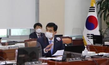 군대 안 가면서 국민지원금 받은 수백 명… 병무청은 '감감'  , 김민기 의원