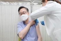 유성훈 금천구청장, 아스트라제네카 백신 접종
